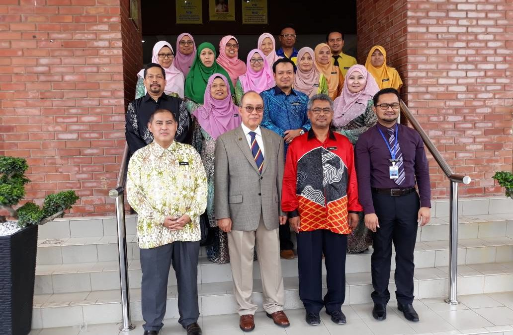 26 April 2018- NESTEX : Prof Dato' Ir Dr A Bakar Jaafar attending a closing ceremony at Sultan Ahmad Shah School